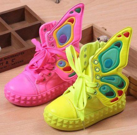 Dětské oblečení z Číny