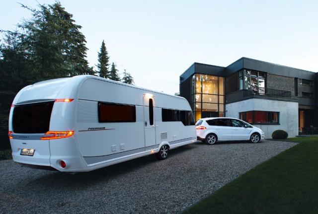 2014-caravan-hobby-premium-01