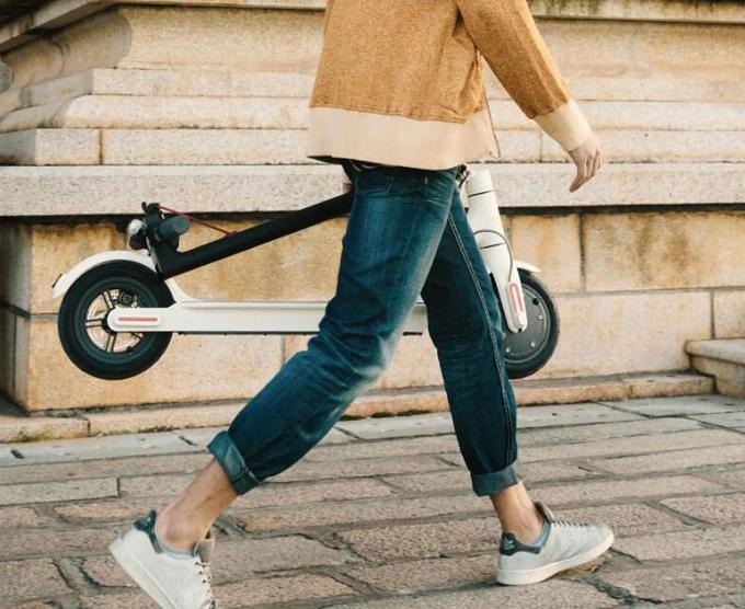 Nebaví vás chodit? Máme pro vás řešení – elektrický skútr Xiaomi M365